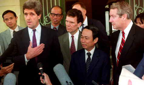 Senator John Kerry, Sen Tom Daschle, Vietnamese Deputy Foreign Minister Le Mai, and Sen. Hank Brown, November 16, 1992, in Vietnam for talks on U.S. servicemen still missing after Vietnam War - cnn via beyond the killing fields